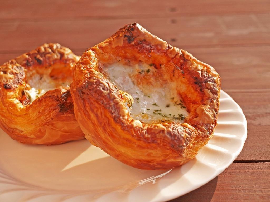 自家製チーズやボロネーゼ、猪肉入りのパンは牧場ならでは!他では味わえない一品です☆