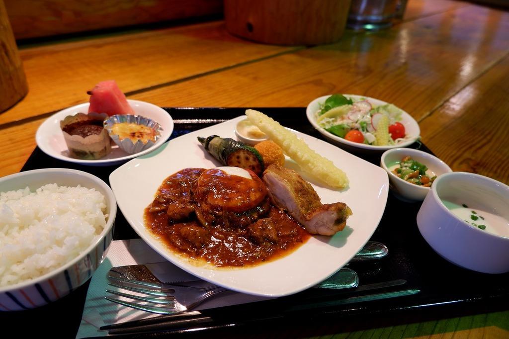 先日の「お肉の定食」 料金1,300円