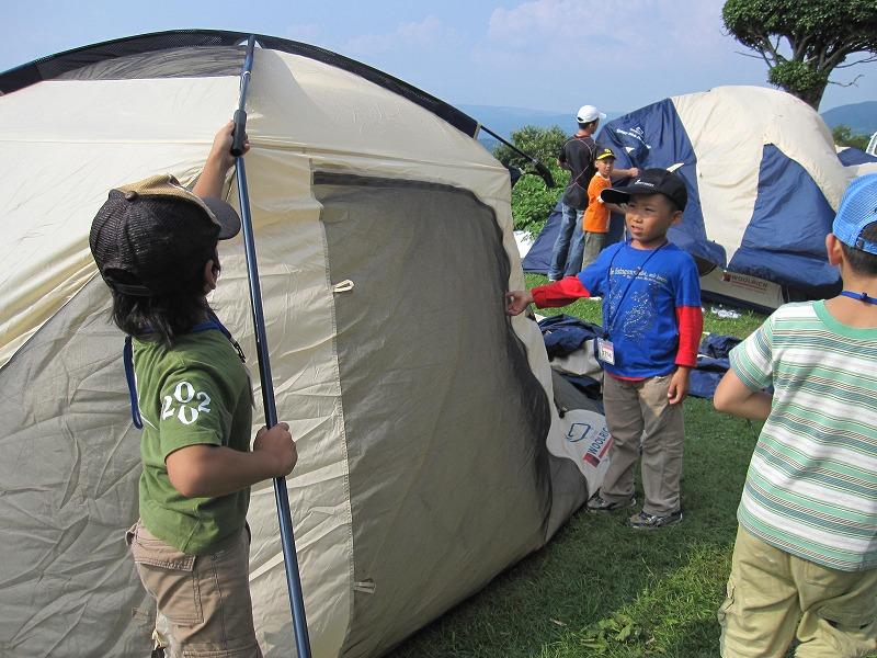 自分たちで、テントを張りました☆