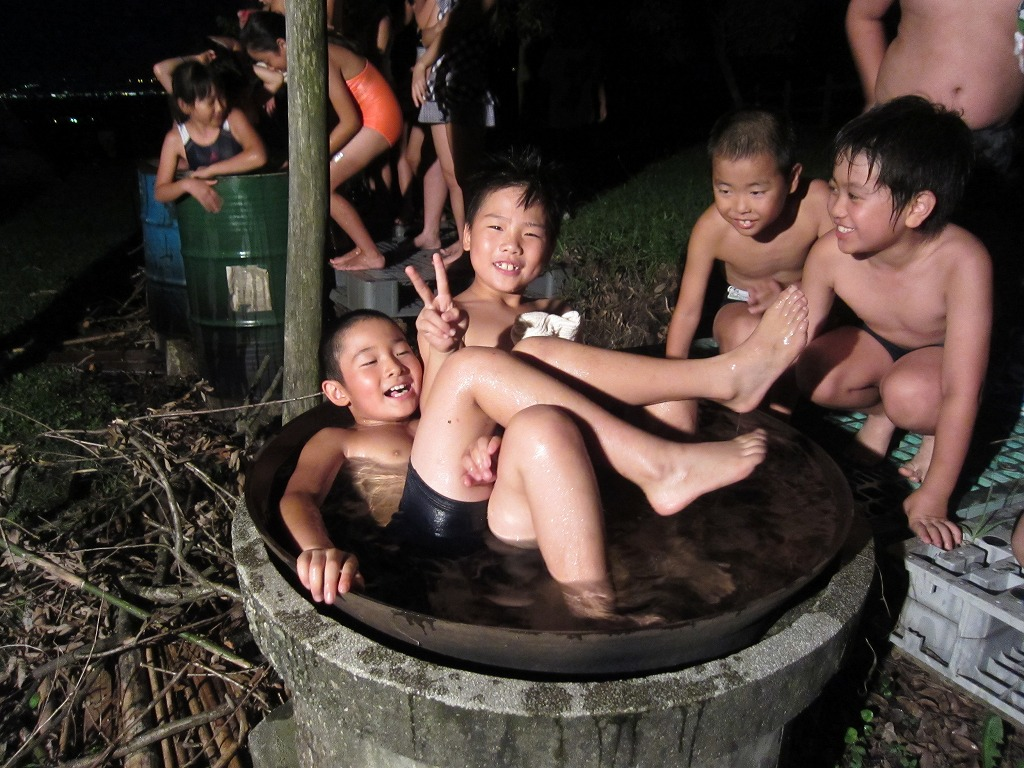 まきばキャンプ恒例ドラム缶風呂!!気持ち良い~♪