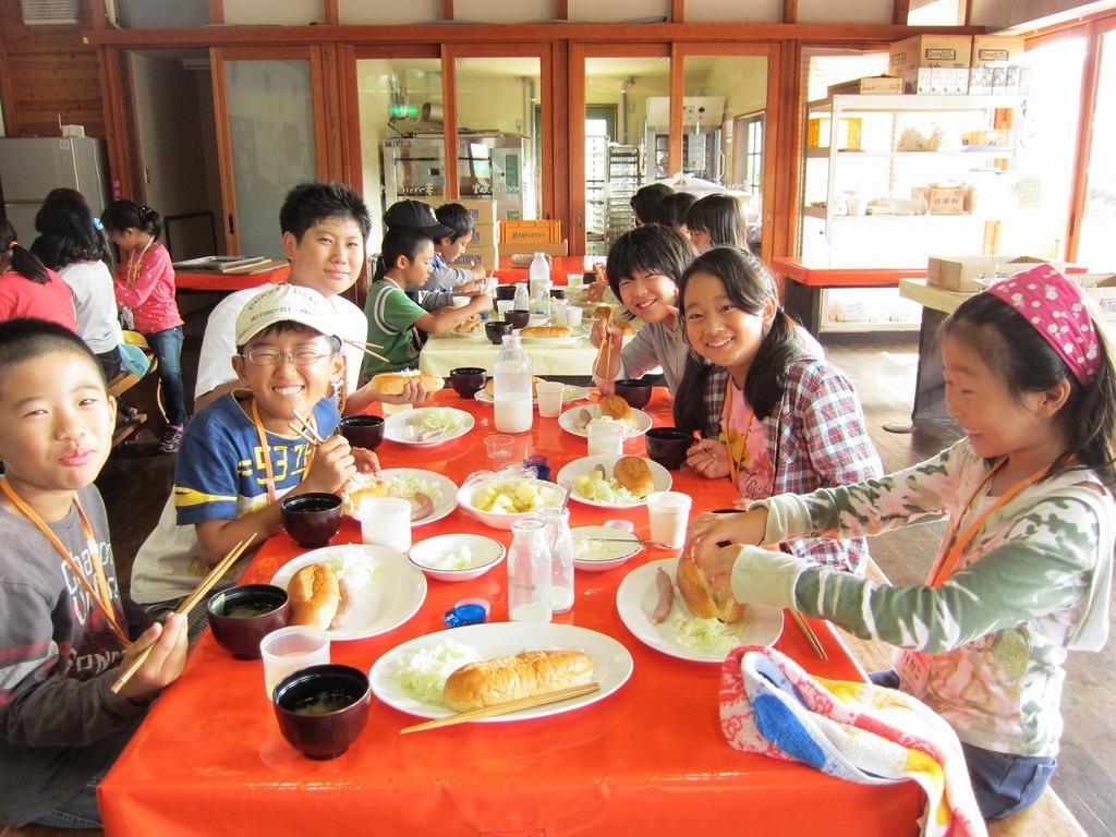 みんなで協力して、食事を作ったり、グループ活動をしたり、あっという間の1泊2日★