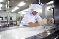 ミルク工場(牛乳やバター、チーズなどを作っています)