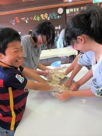 牧場のパンづくり教室(体験館にて開催)